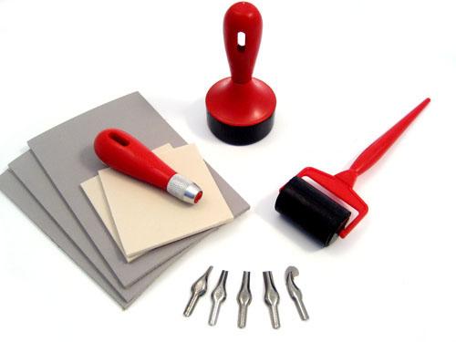 Инструменты для укладки линолеума на деревянный пол