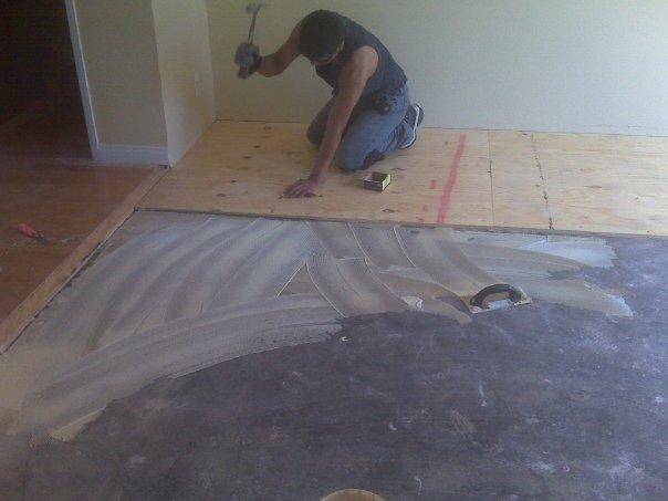 Укладка фанеры под ламинат на бетонный пол