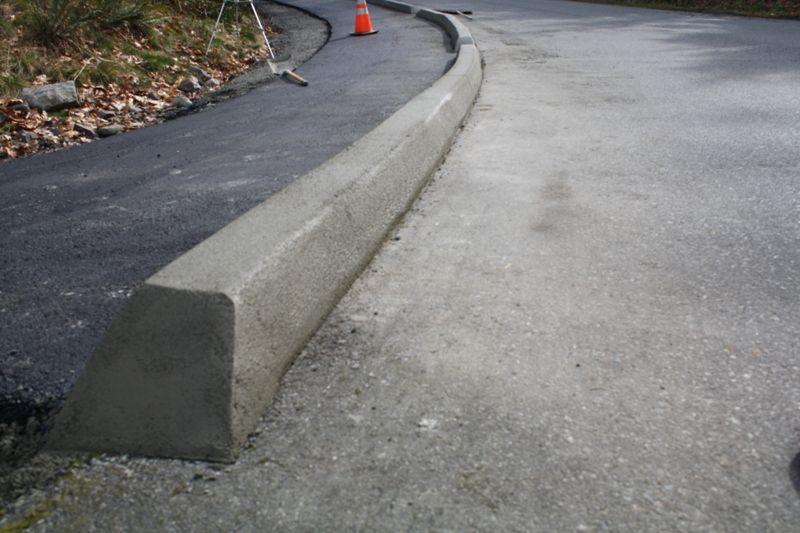Установка тротуарного бордюра